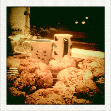 Irish Brown Bread Scone Recipe - image of freshly baked scones and cups of tea