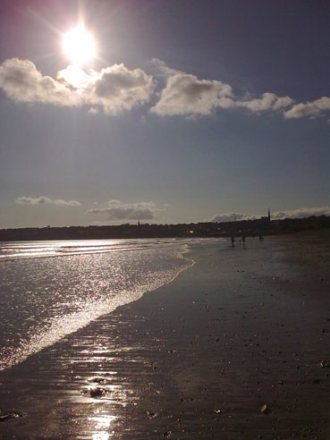 Surf Travel Ireland Tramore - image of beach, sunny